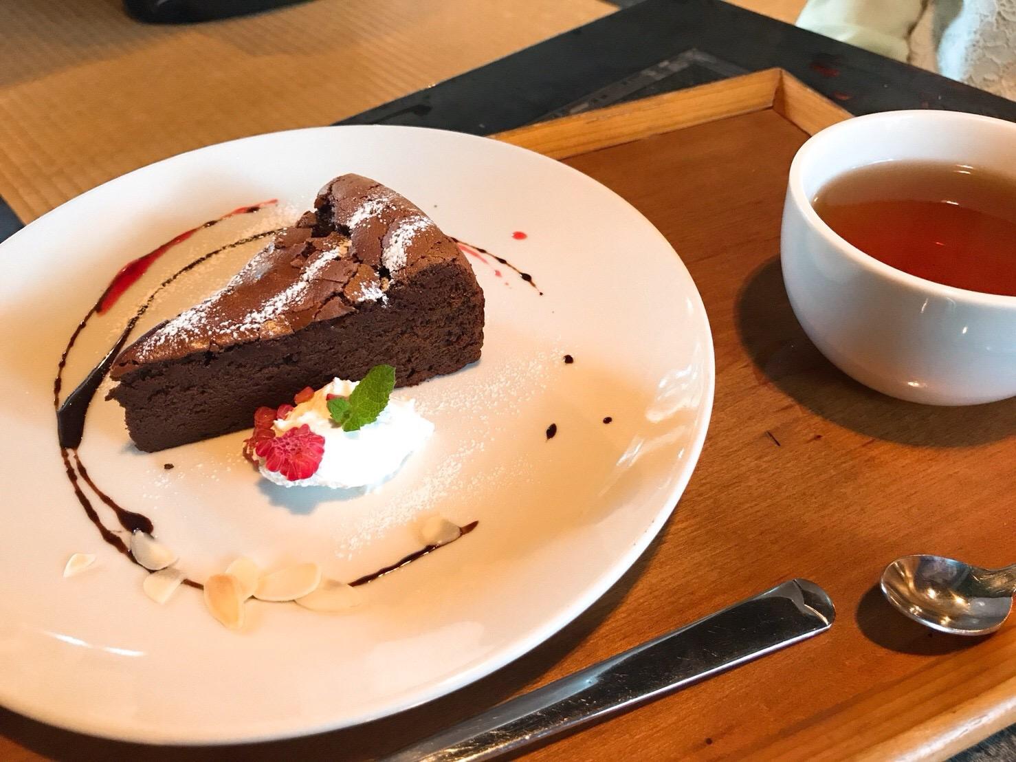 ガトーショコラと紅茶セット