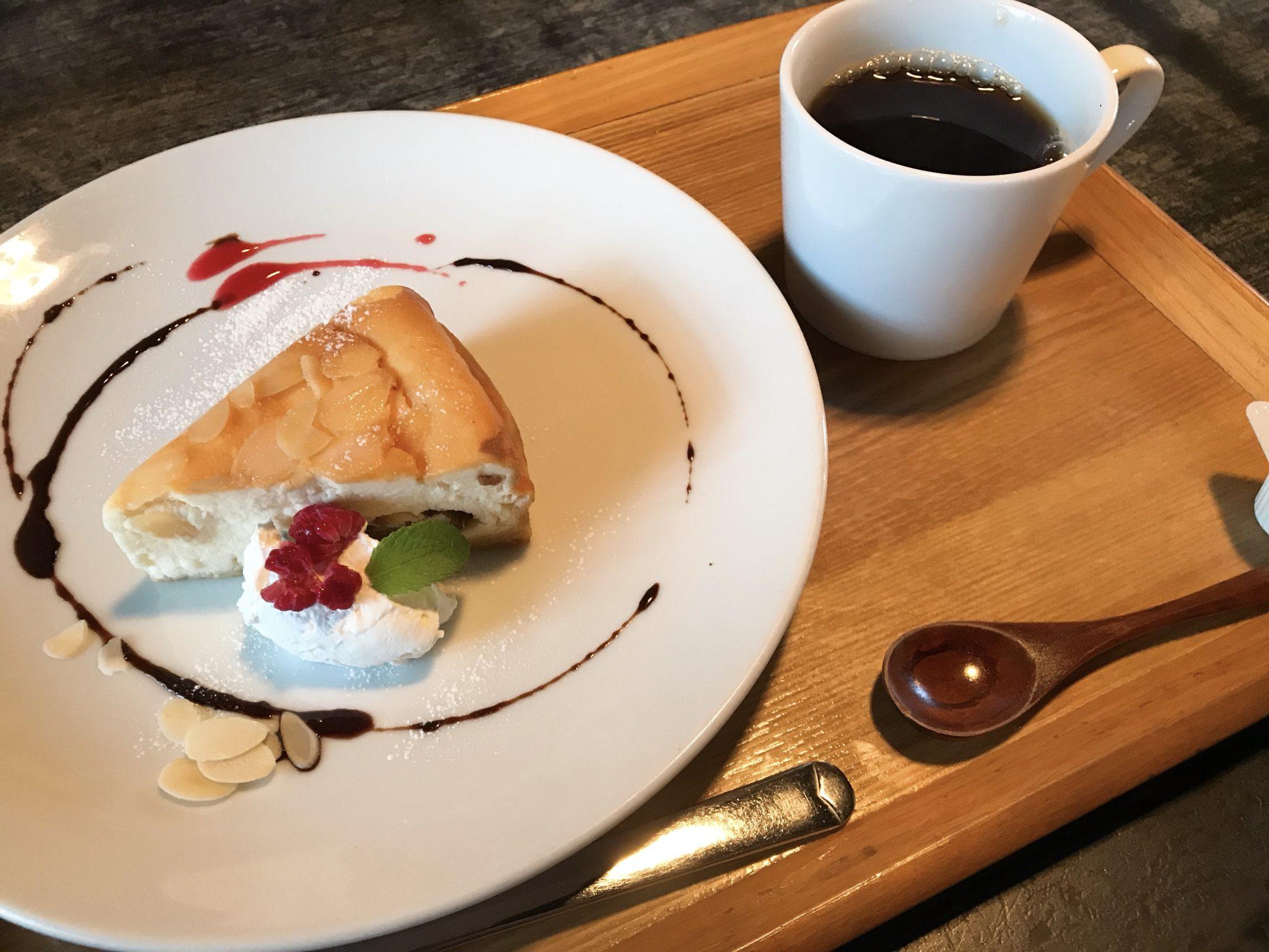 いちじくのチーズケーキと珈琲セット