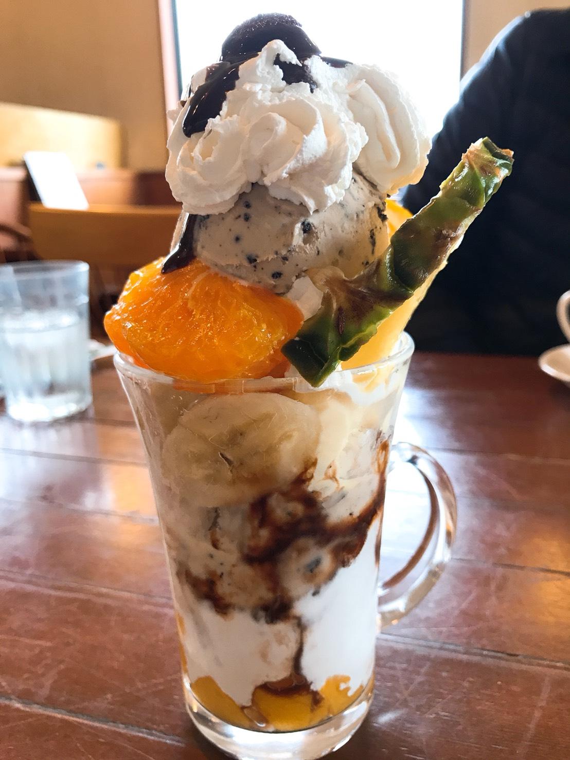 クッキークリームパフェ