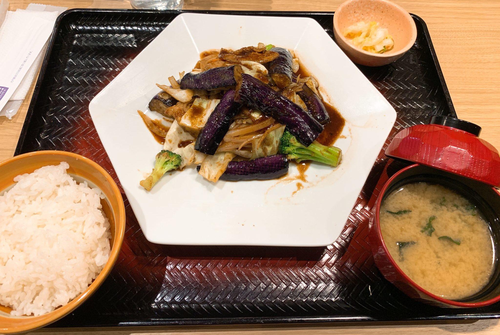 豚バラ肉とたっぷり野菜の豆鼓炒め定食