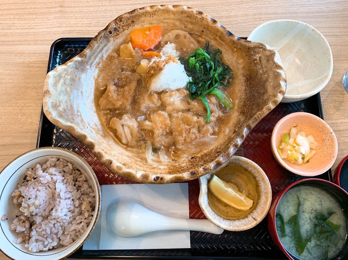 チキンかあさん煮定食(五穀ご飯普通盛り)