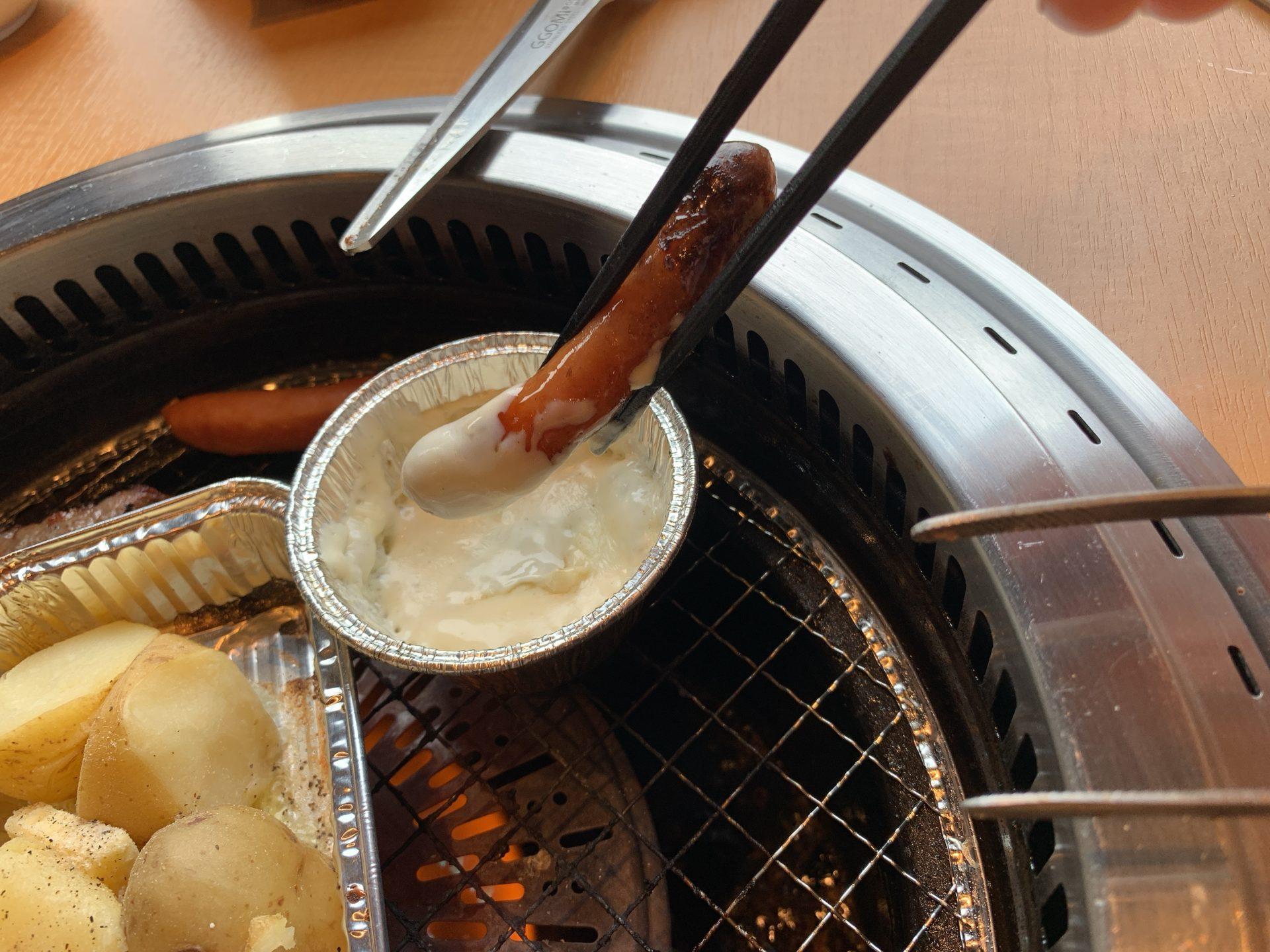 焼肉きんぐのチーズソーセージを堪能